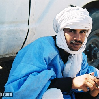 Man near 4WD in Choum, Mauritania