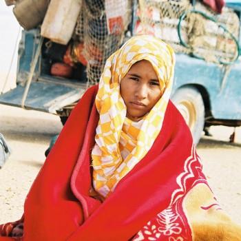 Women on Sahara Desert Tracks Sebkhet Oum way to Bir Moghrein, Northern Mauritania