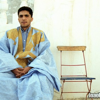 Moorish man dressed with traditional clothes in Nouadhibou, Mauritania