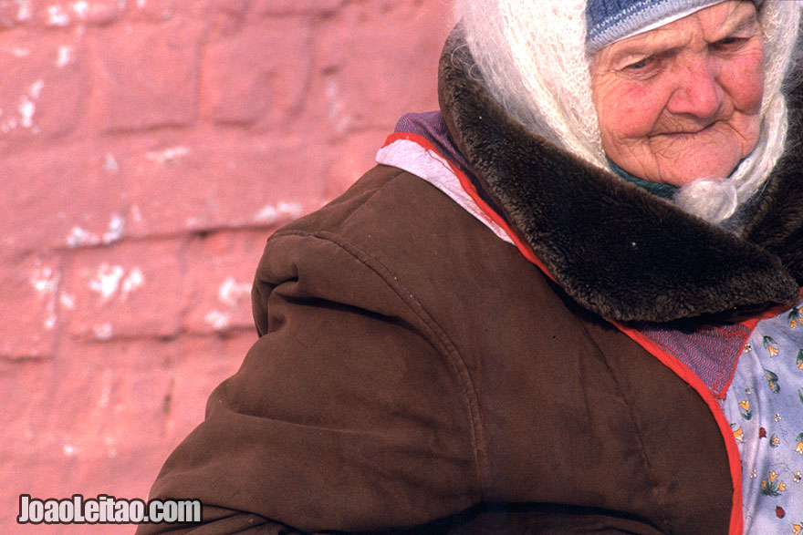 Old woman selling local handicraft in Suzdal village during Winter, Russian Federation - Eastern Europe
